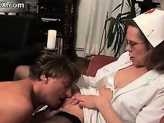 Dirty mature woman gets her pussy licked