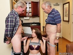 Two grandfather invited Naomi Alice to remember their young years. The hot brunette sucks by turns t