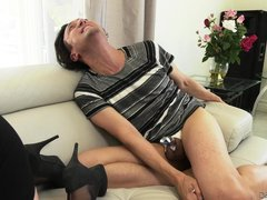 skylar blows him right in front of her husband @ cuck 'em all #03