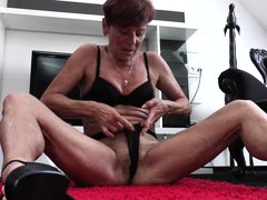 Experienced but just as horny as she used to be when she was a young slut, this lustful lady shows u