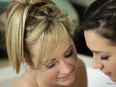 lesbian oral foreplay in the tub