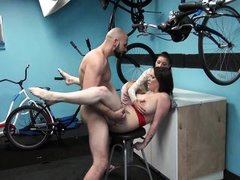 tattooed busty bitch gets pounded