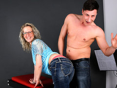 German Housewife Fucking And Sucking During A Photoshoot - MatureNL
