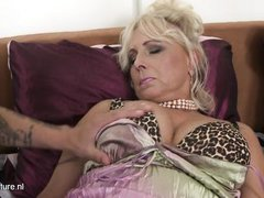 mature lady with big ass was banged hard