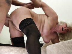 mature bitch gets banged