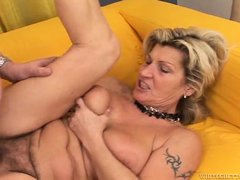 Your favorite granny slut is back, in this exclusive fuck scene Wanda gets her old saggy meat curtai