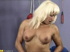 This tattooed mature bitch is at the gym and she maintains her shape doing a special training. How c