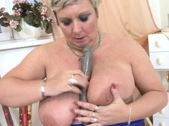 Big and beautiful Mireila shows us how good she is at handling that double ended dildo. She puts the