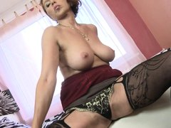 Sensual European mature Veronica has a lot of love to share and she will do that only with those tha